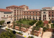 UCLA-Santa-Monica-Hospital-Courtyard-1000